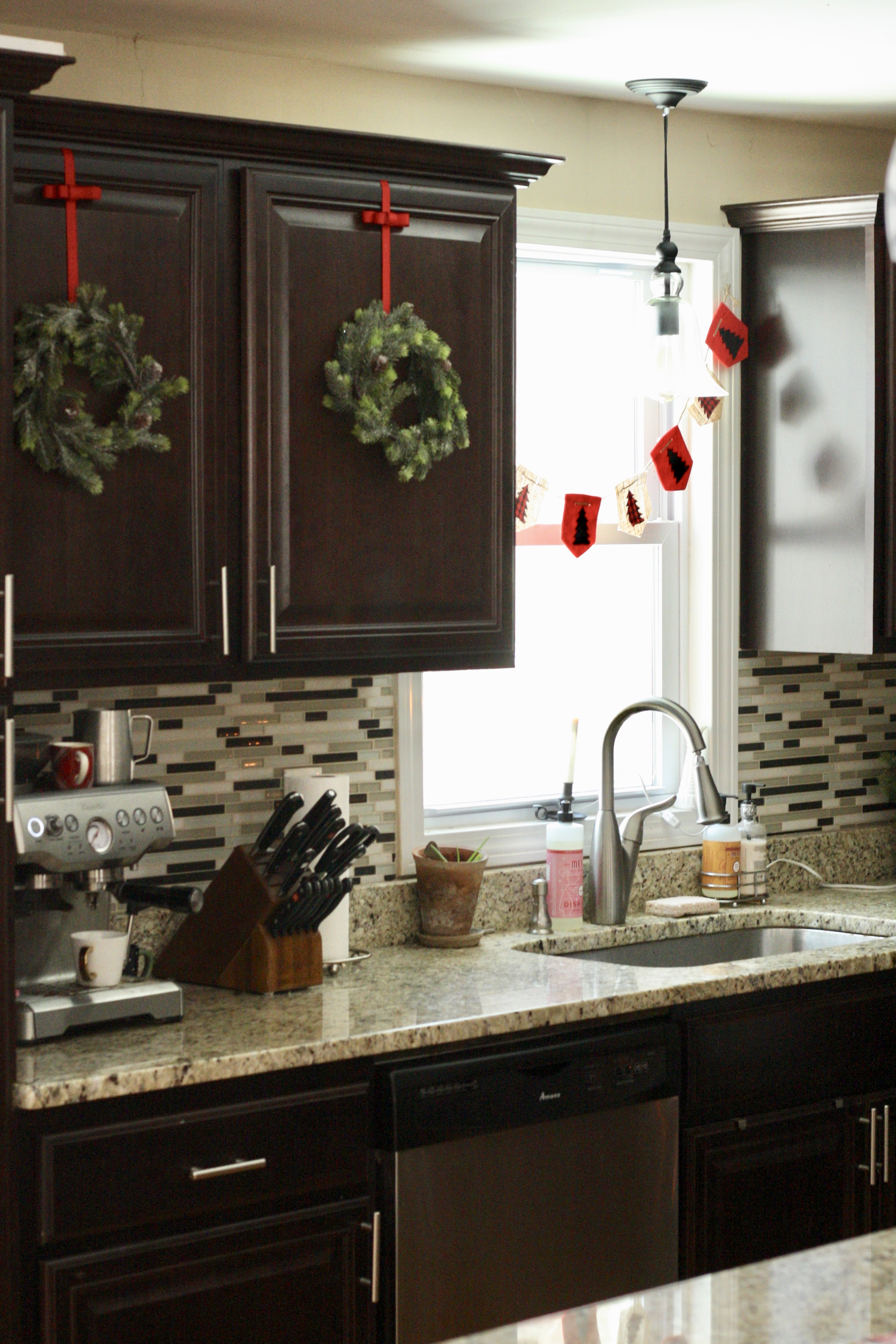 Christmas Kitchen Tour Christmas Wreaths And Hot Cocoa