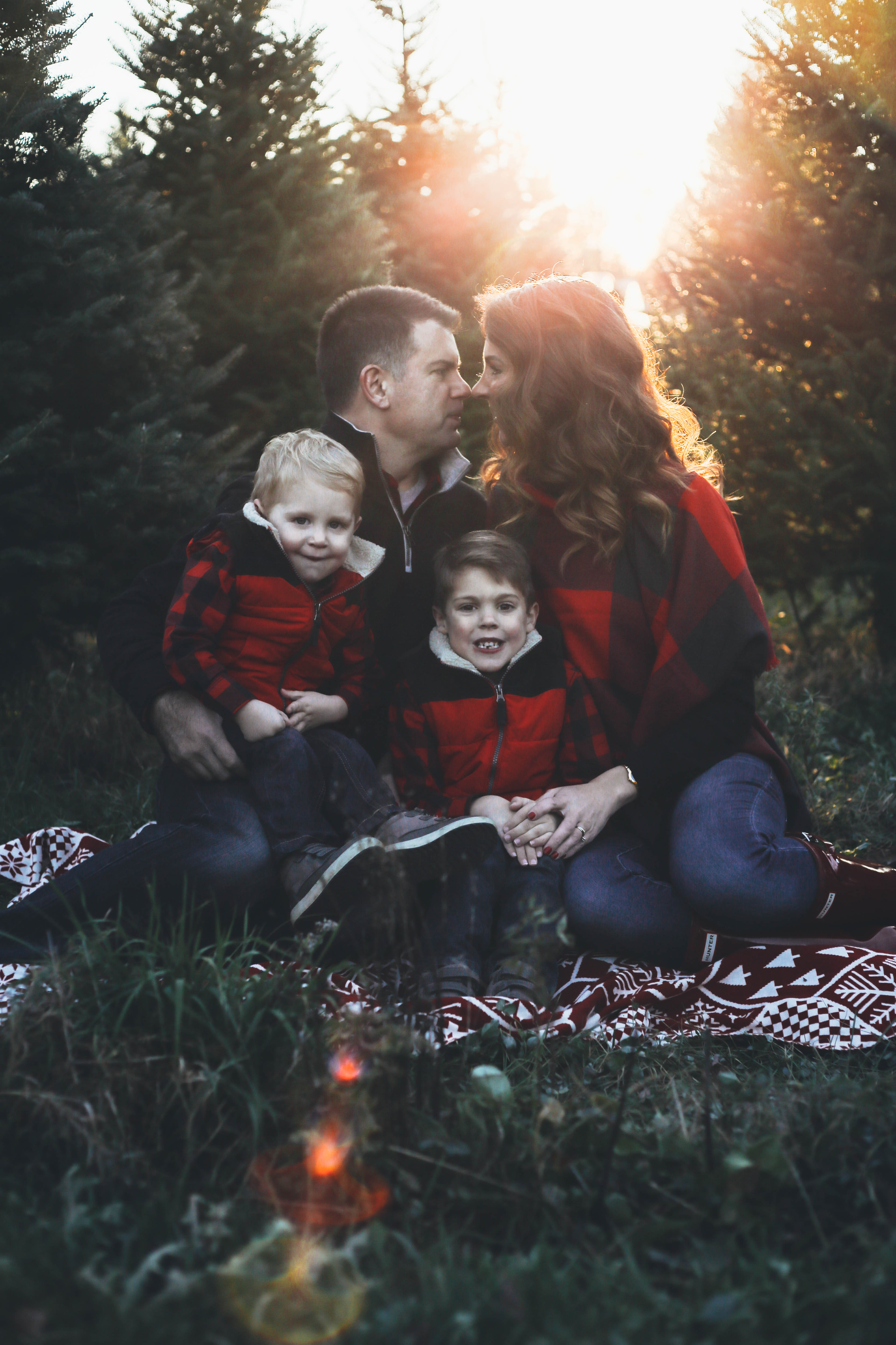 Family Christmas Pictures.Merry Christmas Tree Farm Family Pictures From The